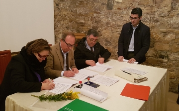 Firma protocolli d'intesa a Manopello
